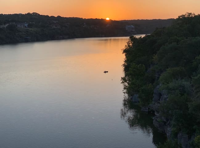 Lake Marble Falls Waterfront - CassidyHouse