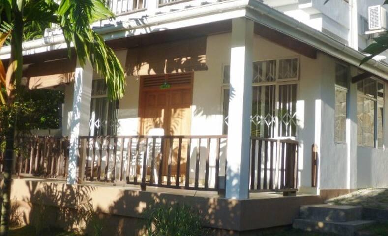 2 bedroom apartment at La Batie, Beau Vallon - Beau Vallon Beach - Appartement