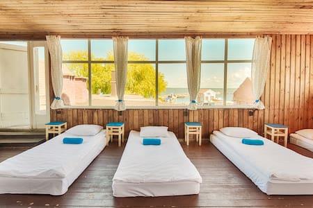 Zunda - Bed in 10-Beds Dorm - นิดา