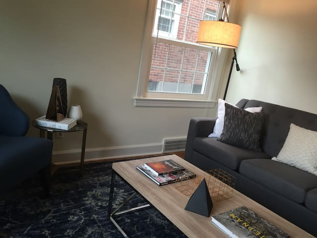 Spacious 1 bedroom in the Highlands - Louisville