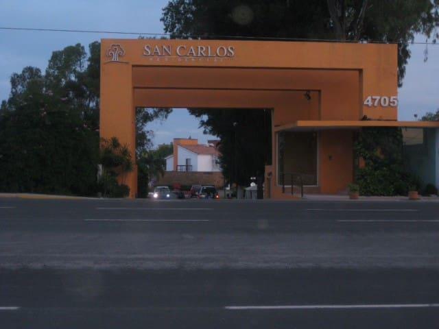 Best location modern Puebla and Cholula Archeology