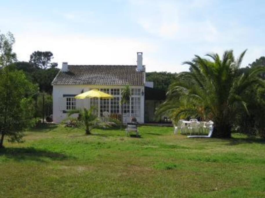 Exterior Casa e Jardim