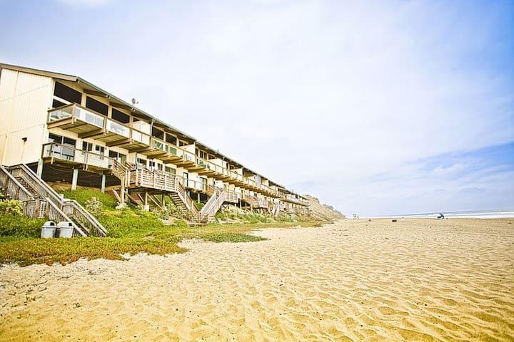 797 Perched on the Sand - La Selva Beach - Adosado