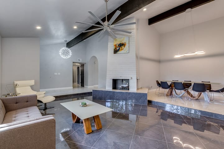 Scottsdale retreat pool,jacuzzi,BBQ, 6 beds