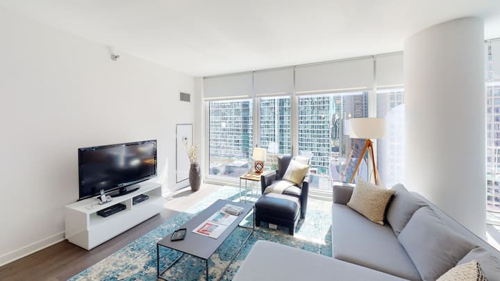 Suite Home 2 bed Apartment The Loop + W/D+Wifi
