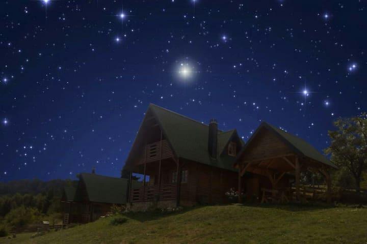 Lodge under a million stars...