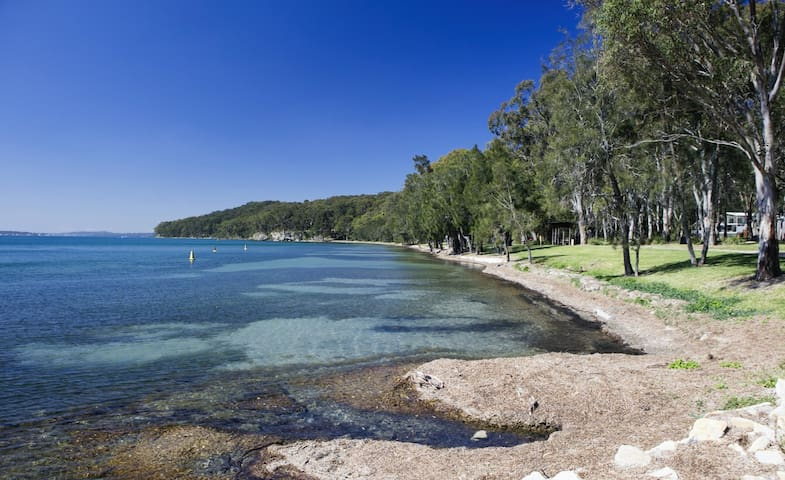 Explore Murrays Beach : an Eco-friendly community with a local cafe and gorgeous water front to simply relax.
