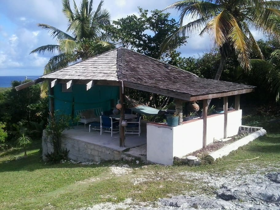 Tiki Hut with cooking facilities