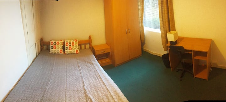 SOUTHSEA - BRIGHT DOUBLE ROOM - SINGLE OCCUPANCY