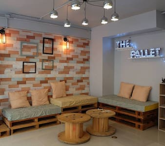 The Pallet ( Private room for 2 ) - Chang Khlan - Guesthouse