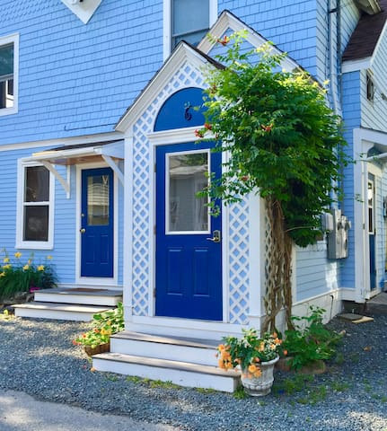 Sunny Loft Apartment in Bar Harbor Close to Ocean