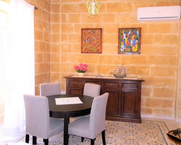 Apartment of character A, Spinola Bay
