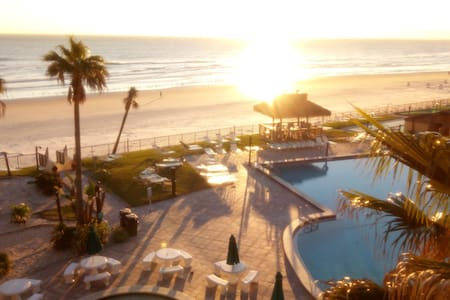 Ocean Front Studio Daytona Bch Drive to Disneyland - Daytona Beach