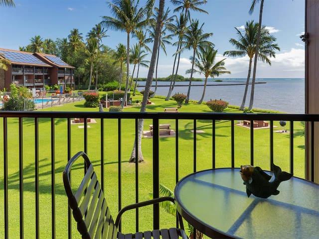 High Luxe Style! Open Kitchen, Ceiling Fans, Flat Screen+OV Lanai–Molokai Shores 205