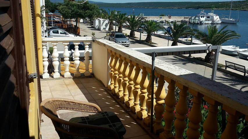 apartments by the sea in Posedarje Ap 3