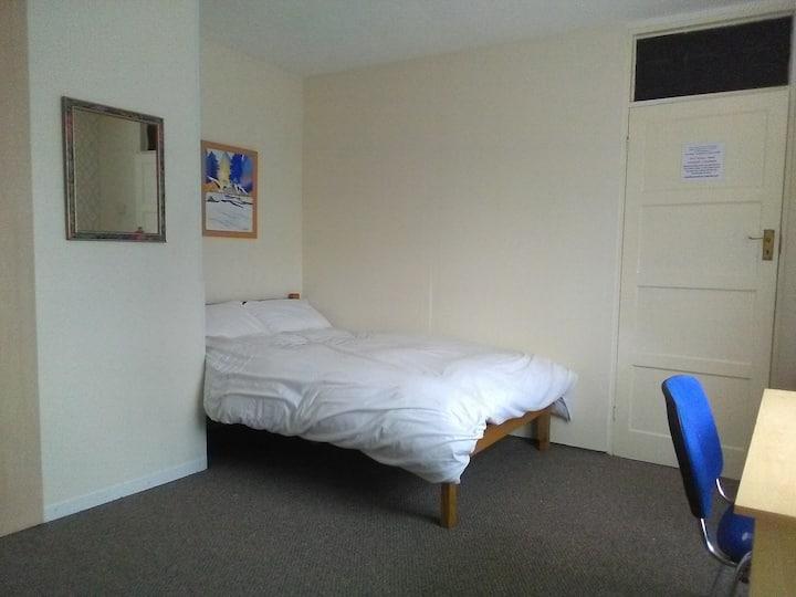 Room 65A,  Spacious Studio 20 mins to Warwick Uni