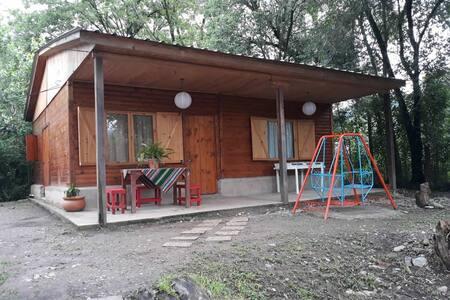 Cabaña AMARANTO entre las YUNGAS y la QUEBRADA