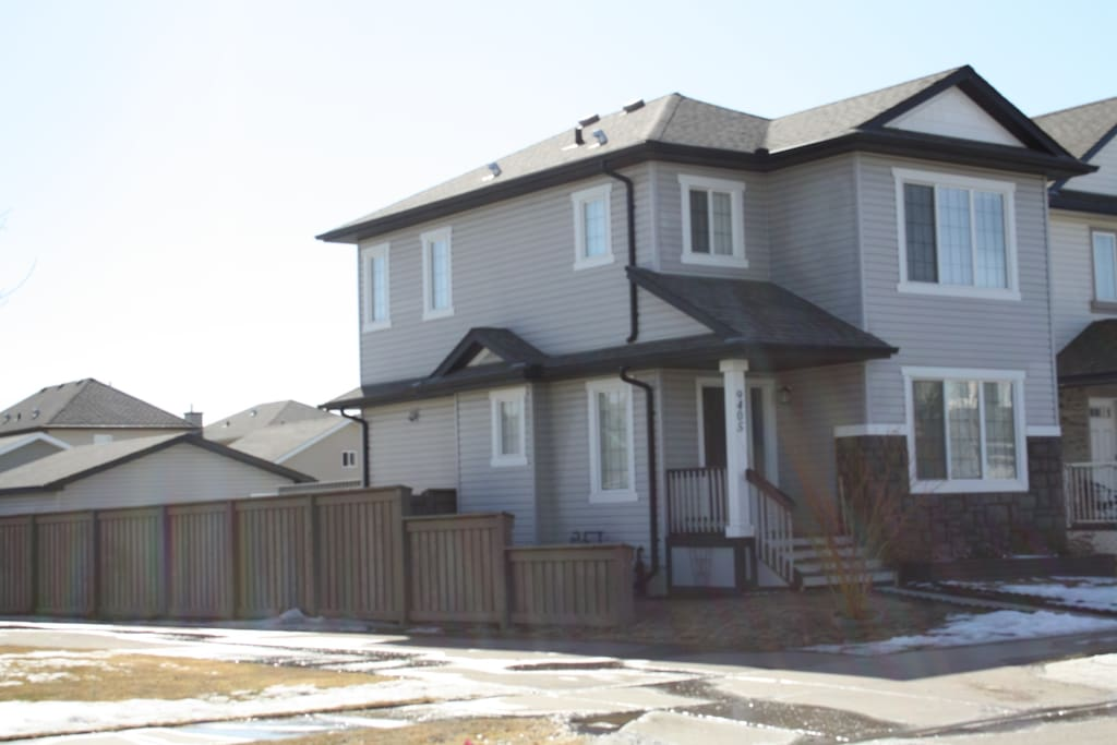 All Inclusive 3 Bedroom Luxurios Home For Rent Houses For Rent In Edmonton Alberta Canada
