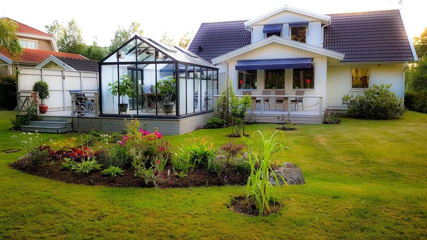 White Villa Resort - Naturist friendly BnB