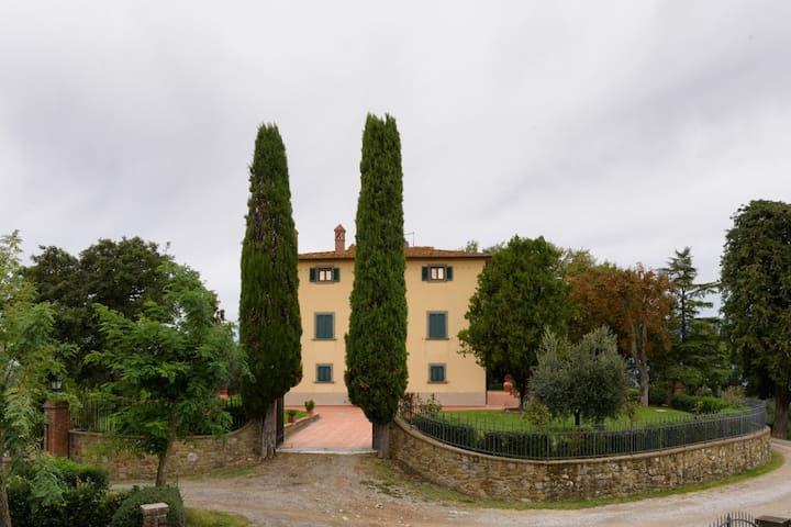 Large apartment in 18°century villa - Civitella in Val di Chiana - Apartamento
