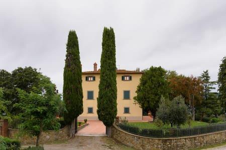 Large apartment in 18°century villa - Civitella in Val di Chiana