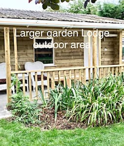 Garden Lodge family - March - Bed & Breakfast