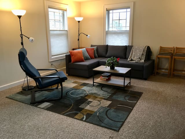 Modern, Great complete apartment in Pomfret, CT.