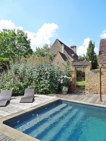 Charming house w/ swimming pool - Saint Amand de Coly - Huis