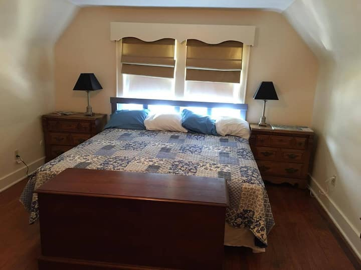 Large 1br1ba:Nurse,Fam,Biz Friendly on Campus