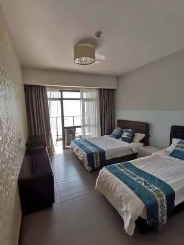 三房一厅正海景套房二张一米五床