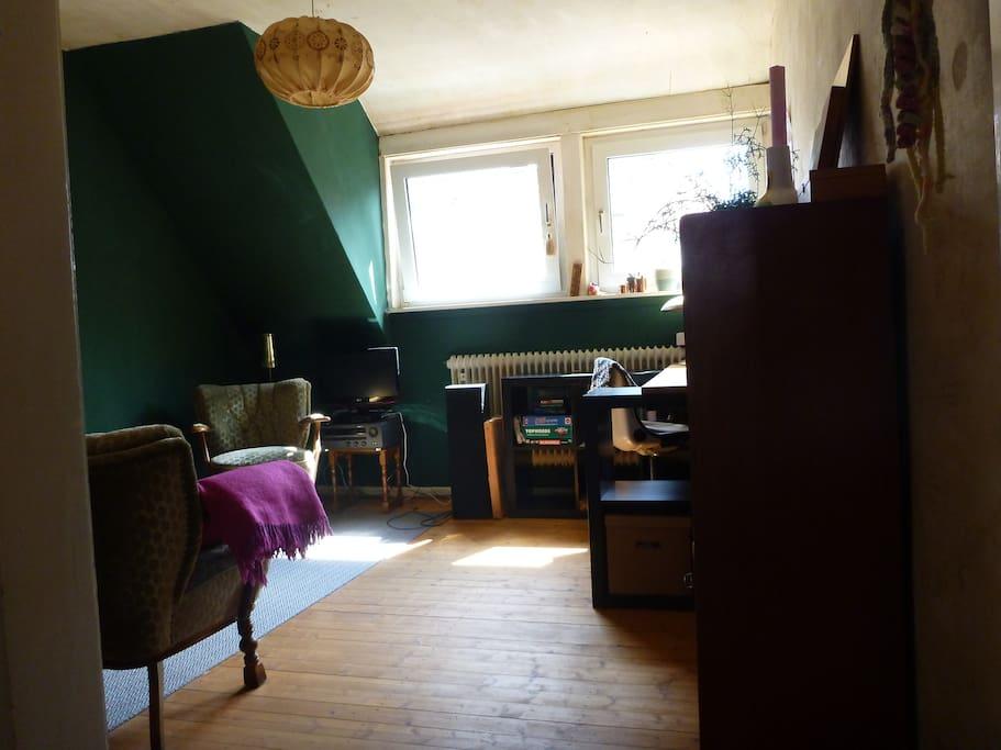 charmante 2 zimmer wohnung im viertel wohnungen zur miete in bremen bremen deutschland. Black Bedroom Furniture Sets. Home Design Ideas