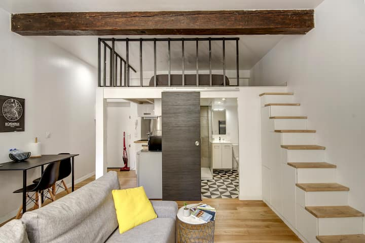 Nice apartment in the historic heart of Bordeaux