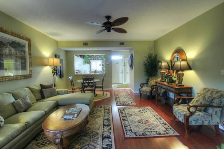 Palmetto Vacation Rentals at Kingston Plantation 2 Bed 2 Bath Villa Sleeps 6