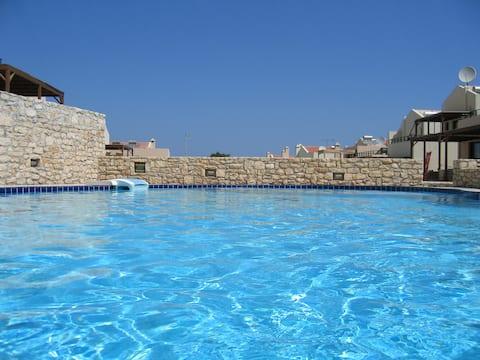 Villa Oscania, 2 спальни и бассейн