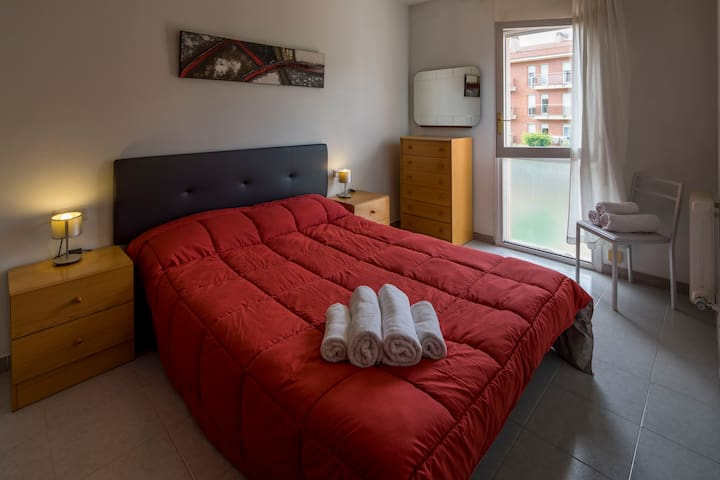 Two-bedroom apartment - Girona