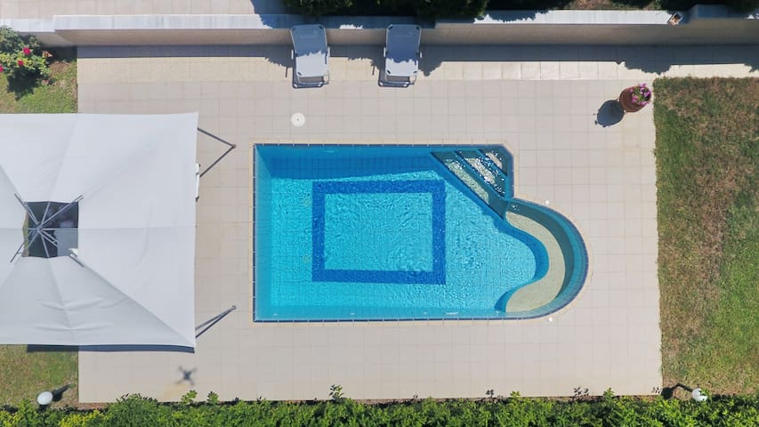 Villa Salla - Private Pool, 4 Bdrms, BBQ, View