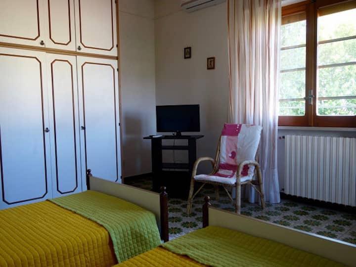 """Camera Doppia vista Mare in Villa """"Il Noce"""""""