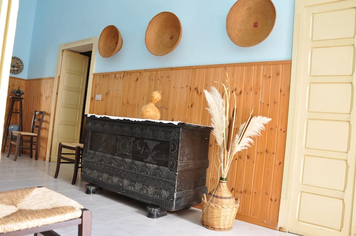 casa campidanese tradizionale - Solarussa - Huis