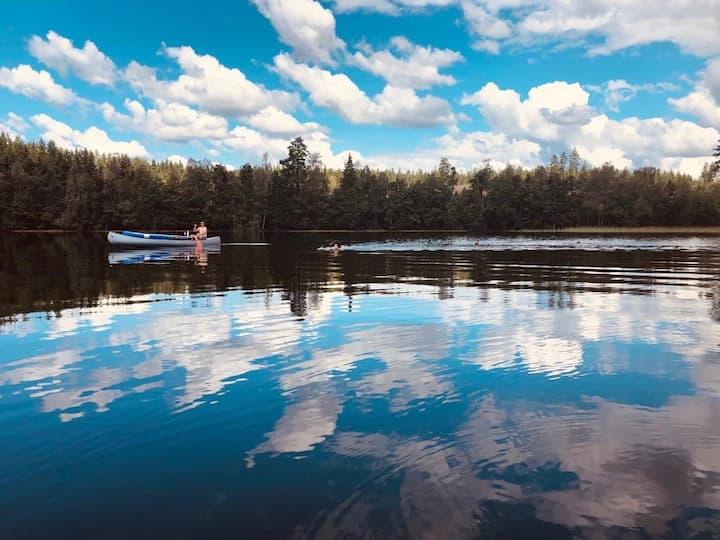 Home on stunning lakeside estate