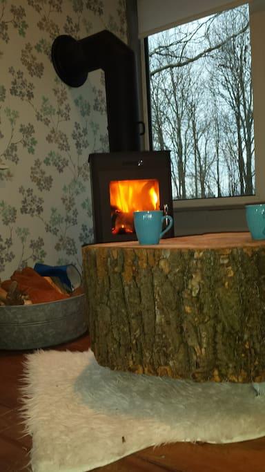 Heerlijk bij de houtkachel ontspannen