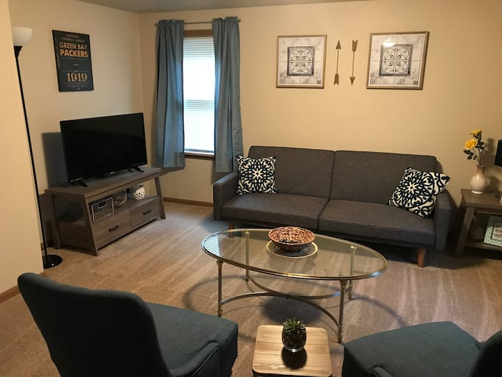 New 2 Bedroom Modern Upper Unit