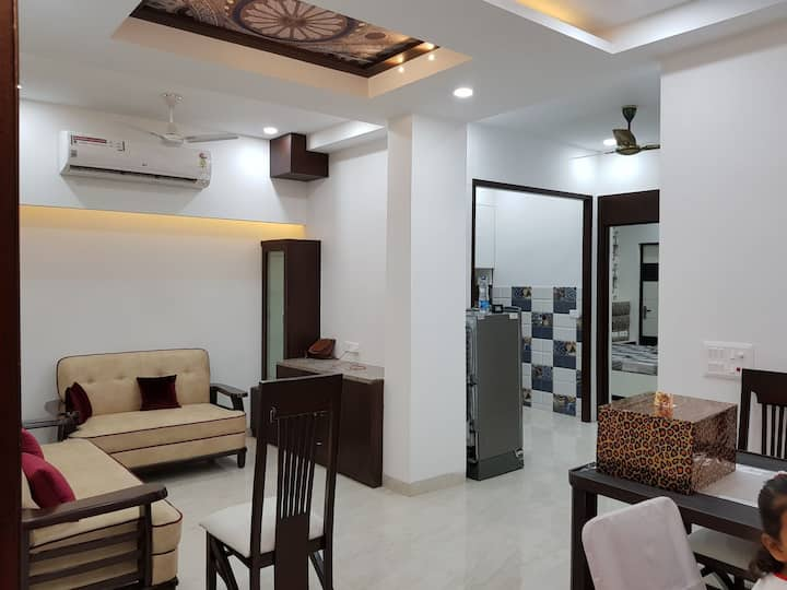 Luxury Inn Entire World Class Apartment with Kitch