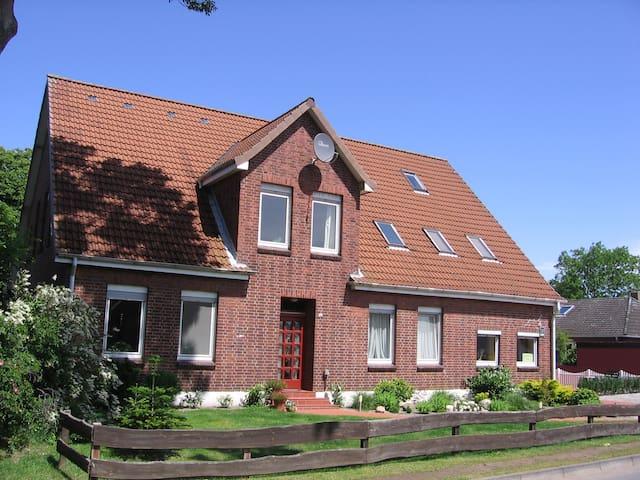 3-Raum Ferienwohnung Kronsberg max. 4 Personen