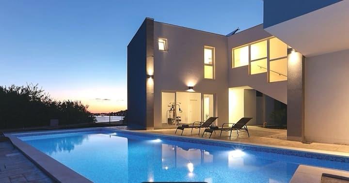 Villa Oceanis- Sal Mare Agency
