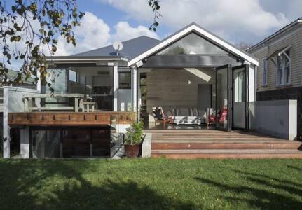 Spacious architectual gem Grey Lynn - Auckland