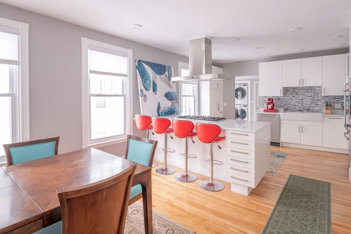 Beautiful renovated condo