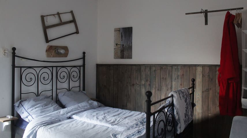 Stoere B&B kamer in prachtige Bourgogne - Quincerot - Bed & Breakfast