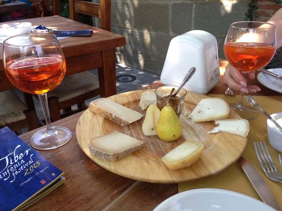 Apperrol spritzer & local cheeses  - a must  have in Monterchi