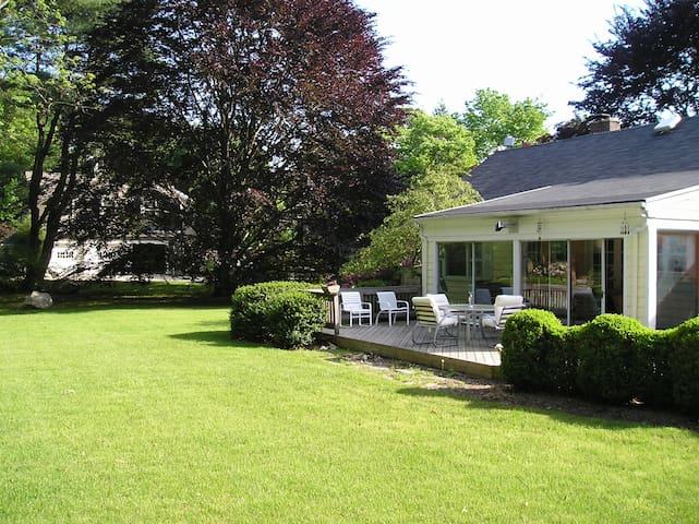Westport CT In Town, Private Street, Sleeps 6
