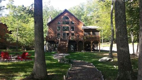 4 Season Lakefront Vacation Home